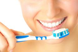 Гигиена рта для профилактики кист на губах