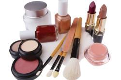 Неподходящая косметика - причина кисты Молля