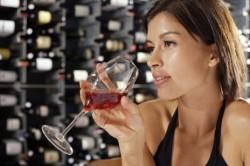 Увлечение алкогольными напитками - причина кисты шейки матки