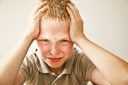 Головная боль - последствие кисты головного мозга