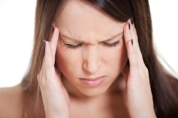 Головная боль - симптом кисты гайморовой пазухи