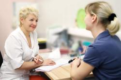 Консультация врача при лечении кисты яичника