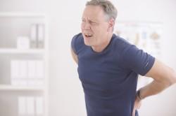 Боль в позвоночнике - симптом кисты