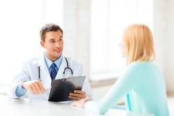 Визит к врачу для диагностирования кисты кармана Ратке
